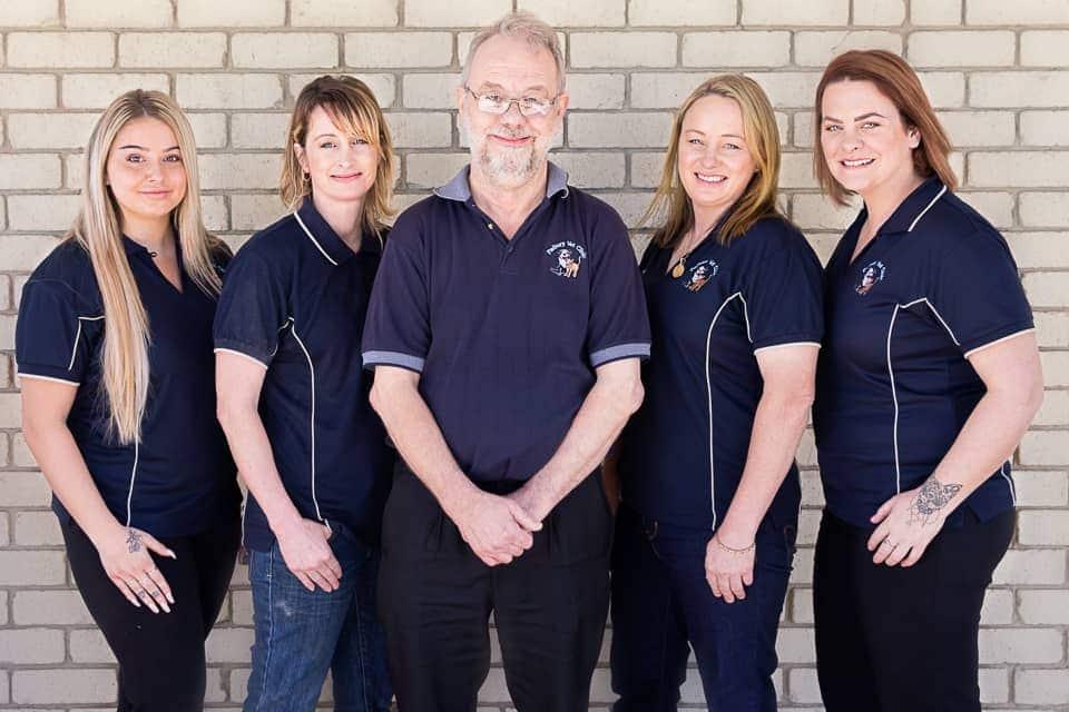 Padbury Vet clinic - Full Team Photo